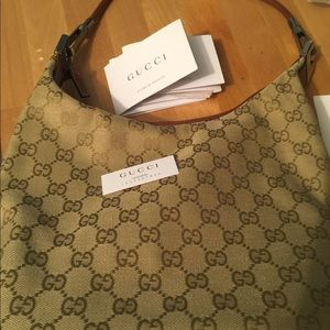 Gucci pocket book